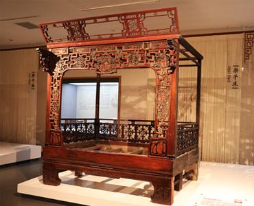 民国朱漆木雕架子床